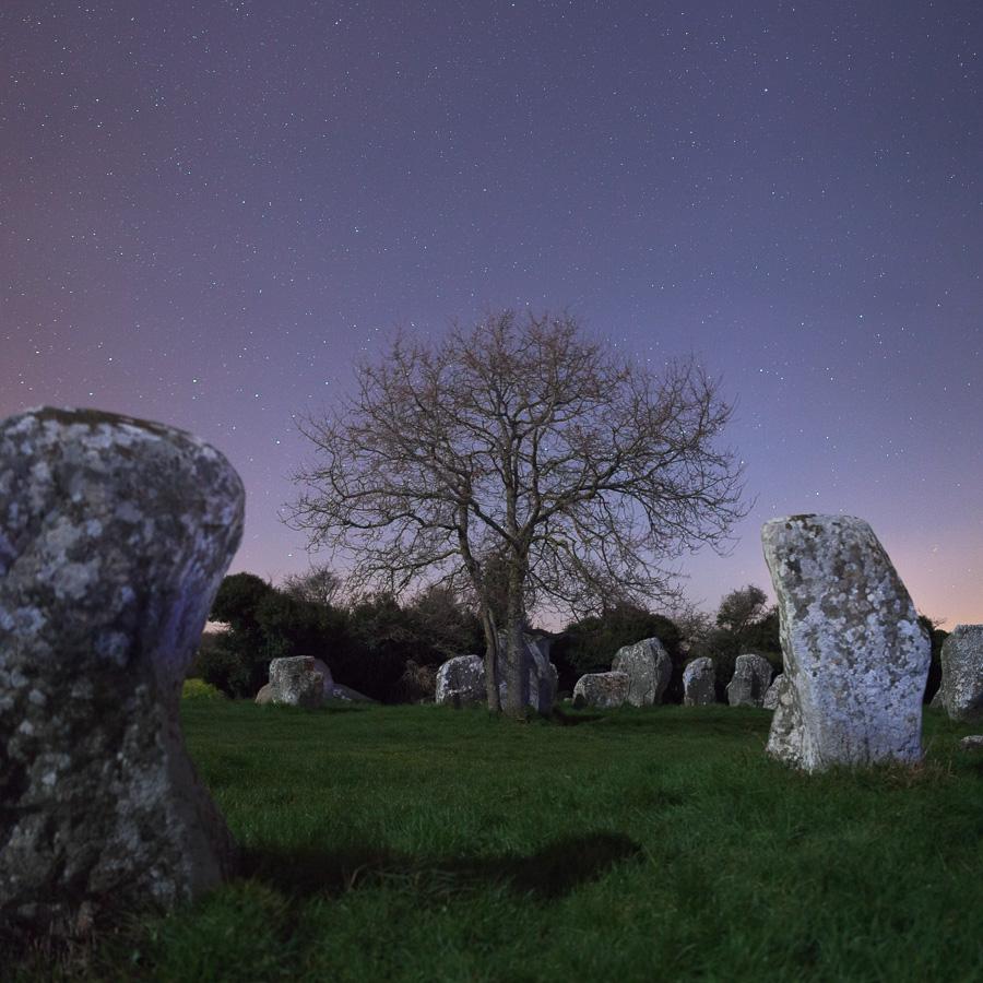 Erdeven : Les alignements de Kerzerho sous la Lune