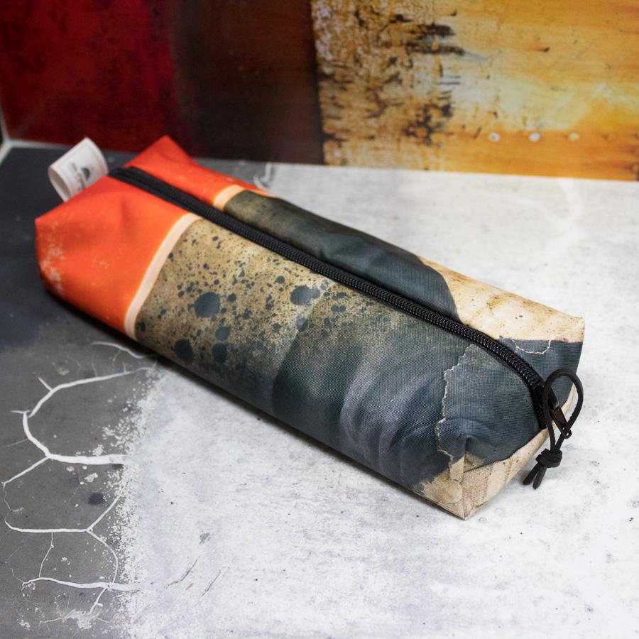 """Trousse """"Carton orange et noir"""""""