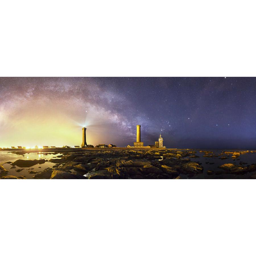 Penmarc'h : phare d'Eckmühl sous la Voie lactée