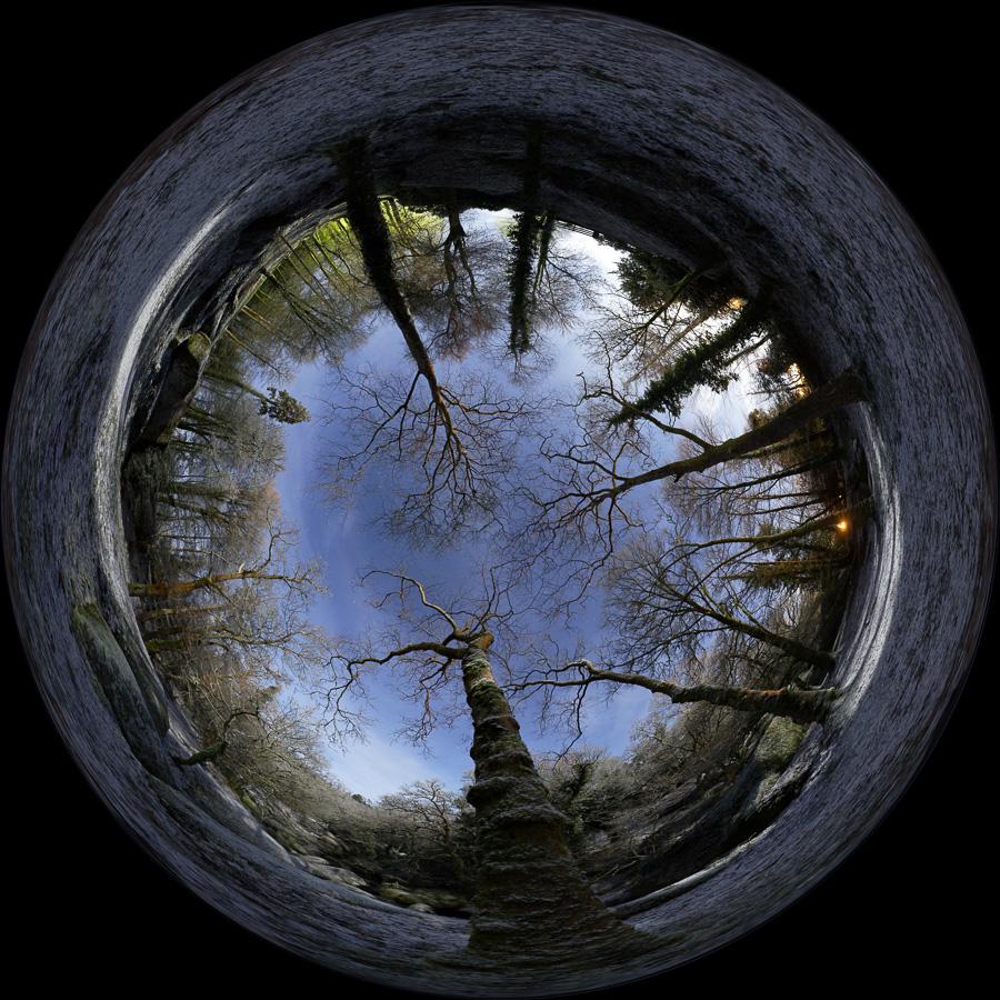 Huelgoat : La forêt saupoudrée de neige