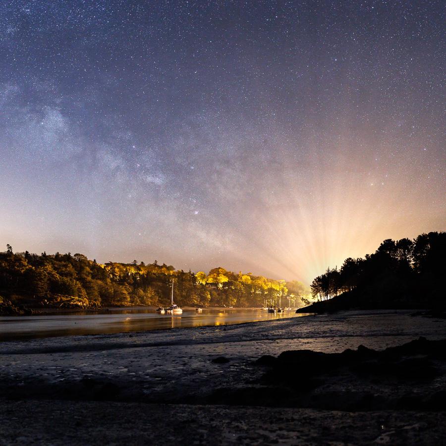 Névez : L'éventail de lumière du port de Kerdruc