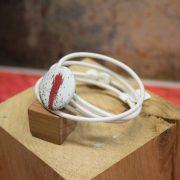 Bracelet 4 cordons fins élastique blanc, fermoir aimanté boule blanche