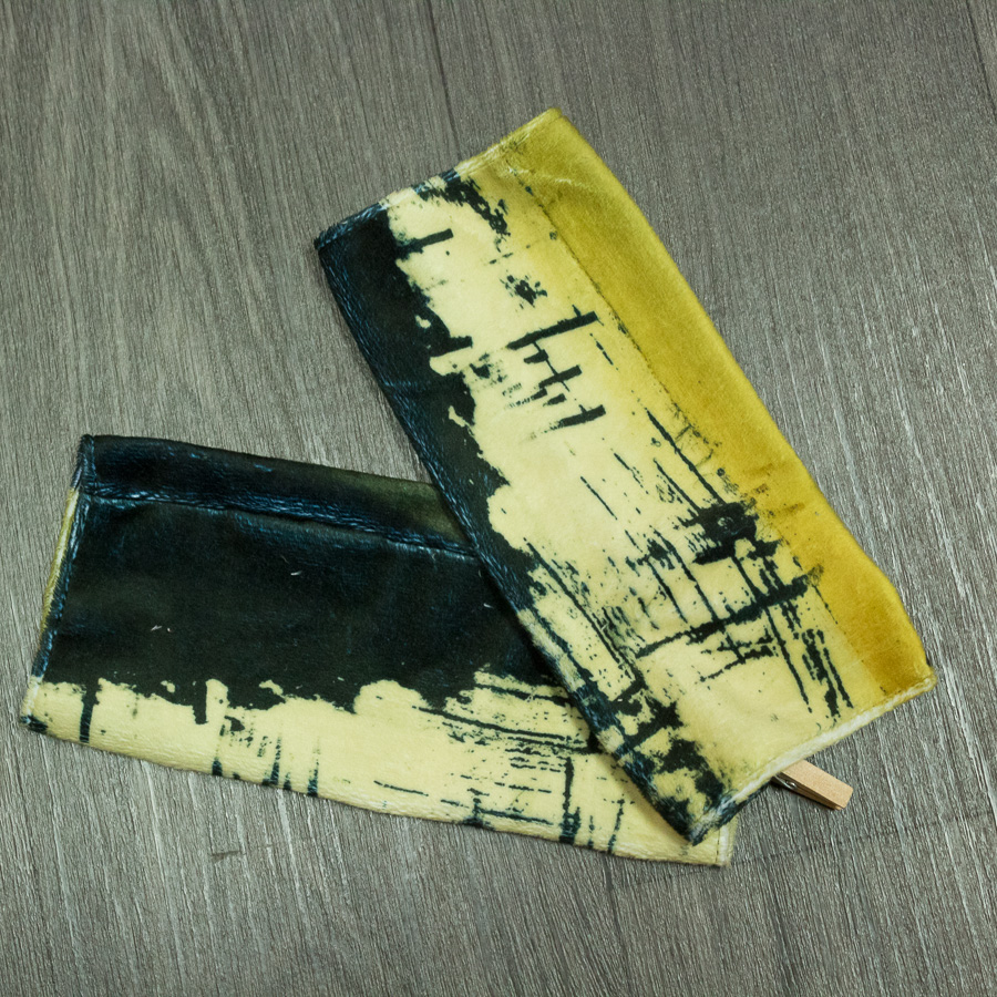 "Mitaine ""Coque noire jaune"""