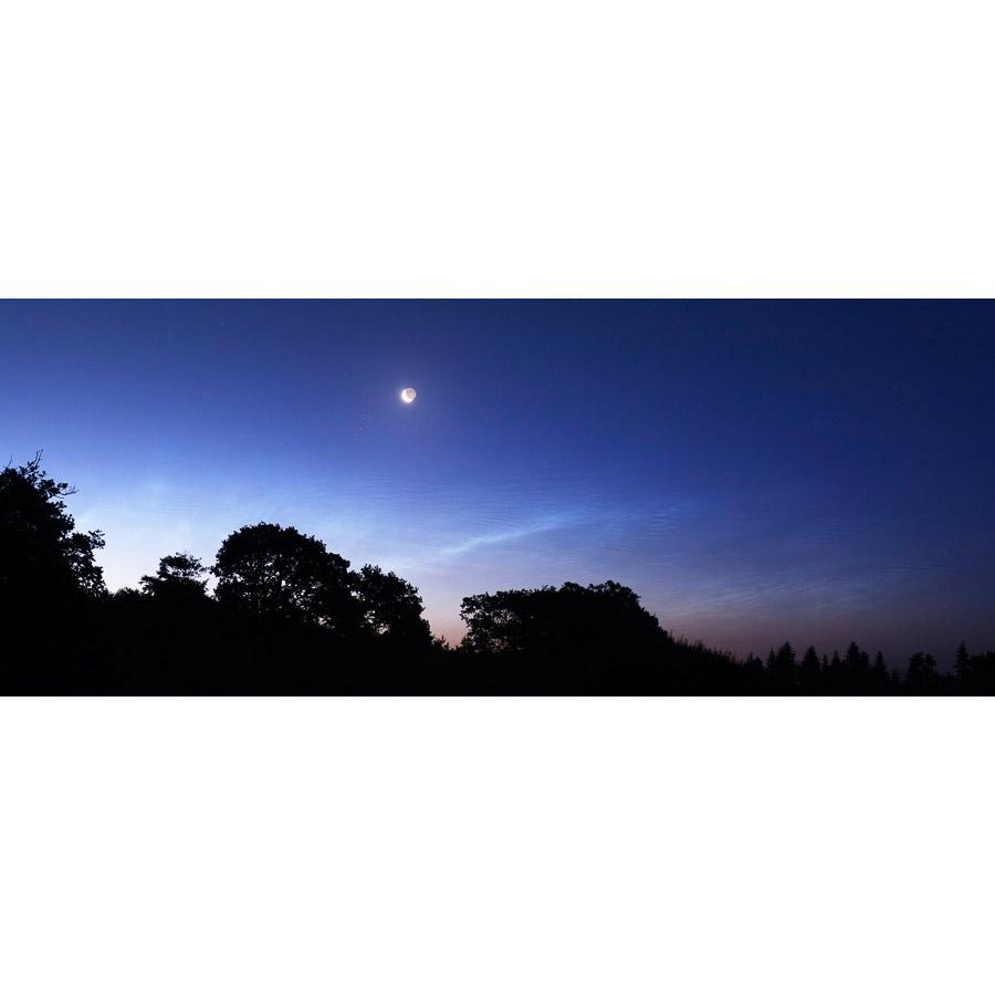 Plomelin : Lune et nuages noctulescents