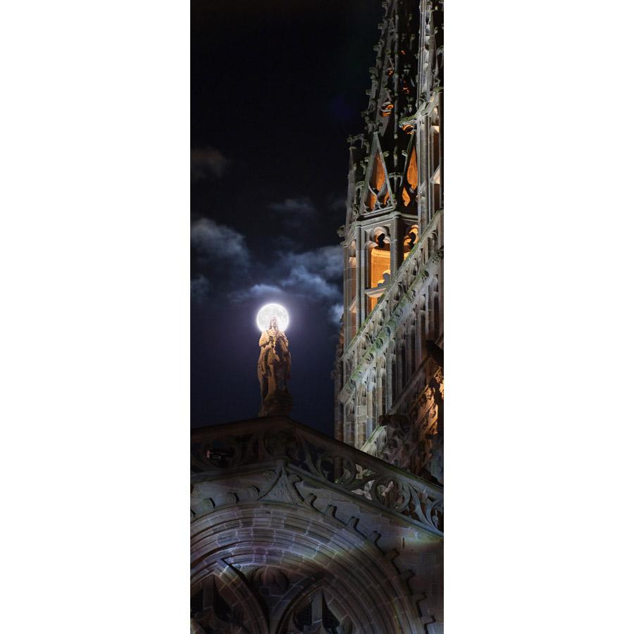 Quimper : Gradlon avec la Lune comme couronne