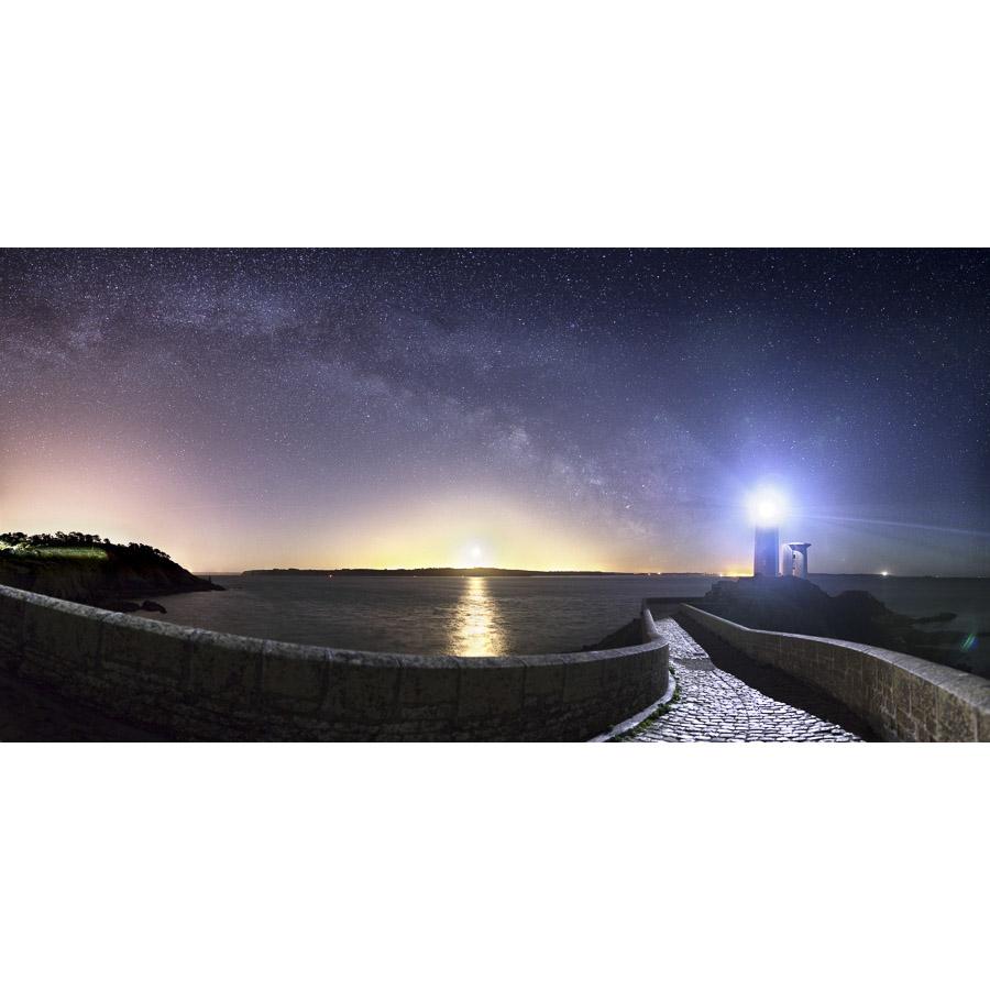 Plouzané : Les pavés du phare du Petit Minou