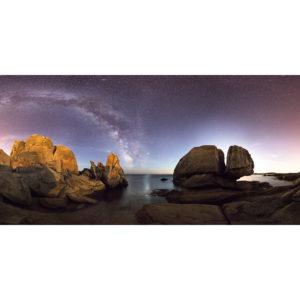 Lesconil : La Voie lactée entre les rochers du Goudoul