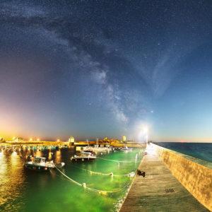 Trévignon : le port de Trévignon de nuit sur fond de Voie lact
