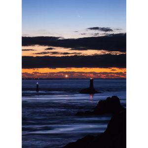 """Photo A4 à encadrer """"Pointe du Raz : comète PanSTARRS sur l'Île de Sein"""""""