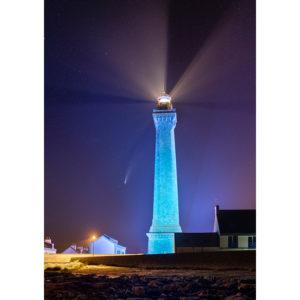 """Photo A4 à encadrer """"Penmarc'h : la comète Neowise et le phare d'Eckmühl"""""""