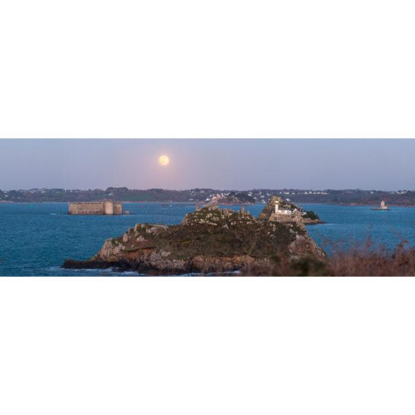 Carantec : le Fort du Taureau, l'Île Louët et la Pleine Lune
