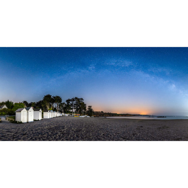 Port Manec'h : les cabines de plage sous la Voie lactée
