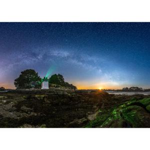 Trégunc : le phare de Pouldohan sous les étoiles
