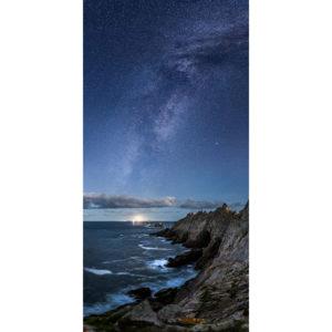 Pointe du Raz : Île de Sein sous la Voie lactée